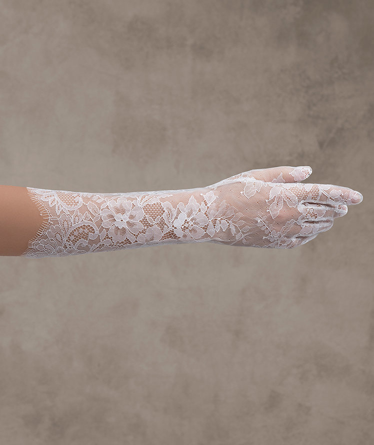 The bridal gloves you've been searching for  | Pronovias