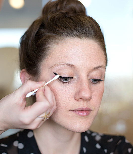 25 Uses for Q-tips That'll Change Your Beauty Routine Forever