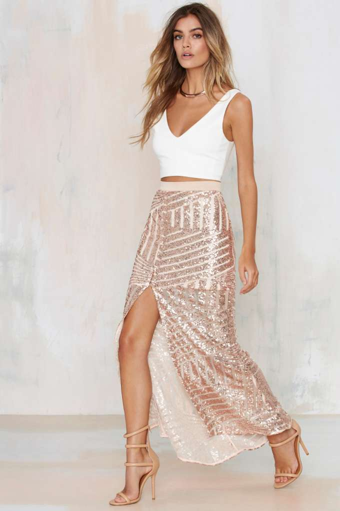 Tiger Mist Girl Around Town Sequin Skirt – Blush | Shop Clothes at Nasty Gal!