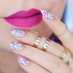 Floral Nails (+ Tutorial!)