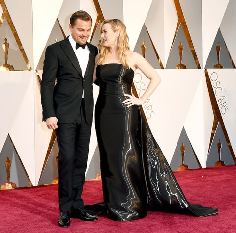 Leonardo DiCaprio Arrives for Oscars 2016, Kate Winslet Greets Him on Red Carpet!