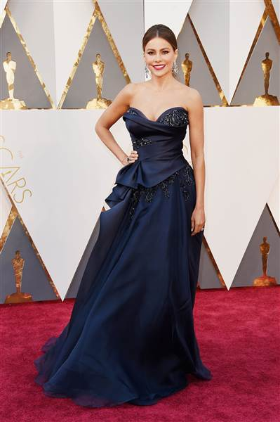 Oscars 2016 red carpet – Sofia Vergara