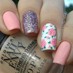 Gorgeous roses!! @nailsbydenielle