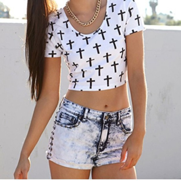 T-shirt: cross, denim, shorts -Cute!