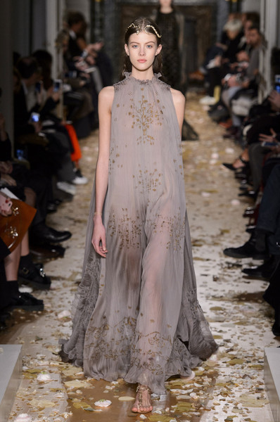 Valentino Spring 2016 Runway Pictures – Livingly