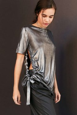 Metallic Side-Tie Tee – Urban Outfitters